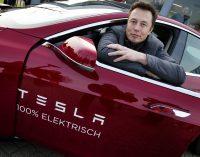 Tesla'dan iki büyük sürpriz