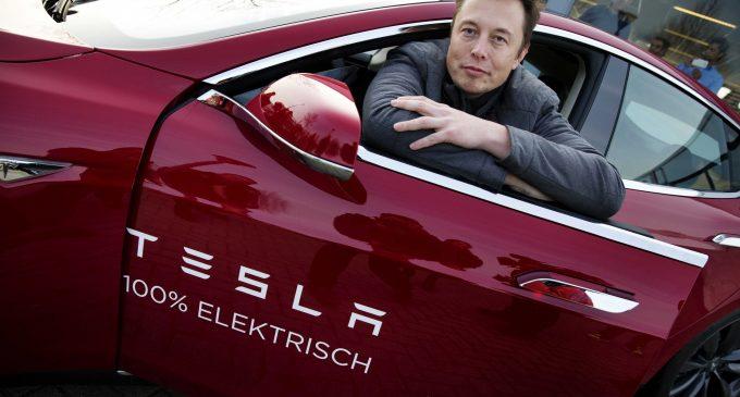 Tesla'dan iki müjde birden
