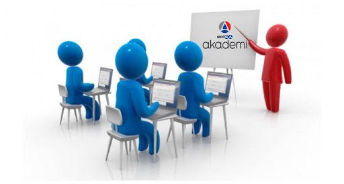 Evde kalan öğrenciye online eğitim