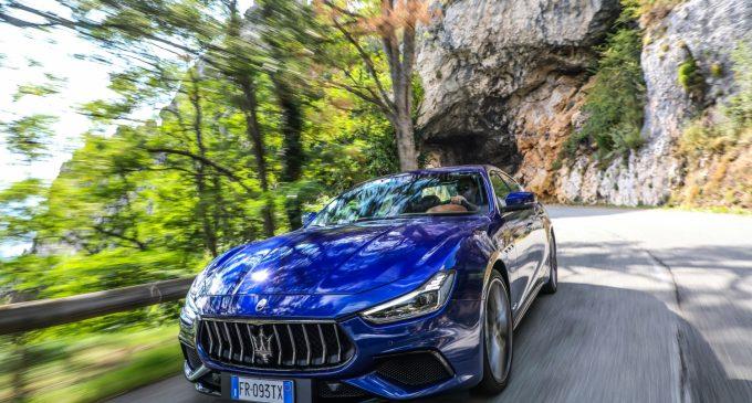 İlk hibrit Maserati Ekim'de geliyor