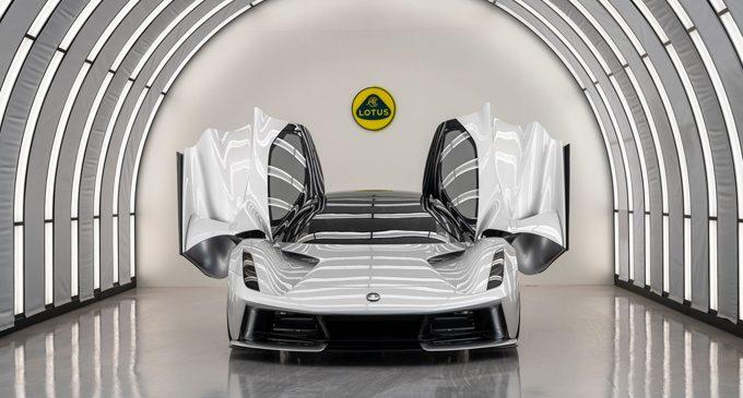 Lotus tamamen elektrikli oluyor