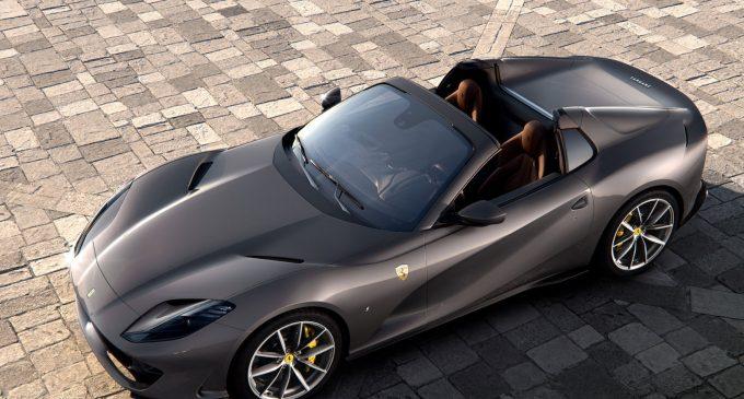 7.8 milyonluk Ferrari için kuyruk