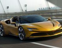 Ferrari, SF90'ın üzerini açtı