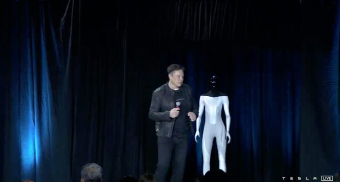 Tesla'dan robot sürprizi
